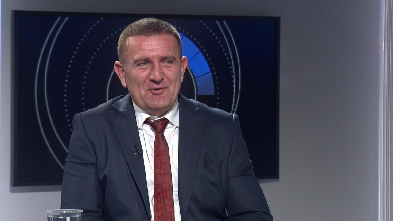 Dr Dejan Žujović izašao iz bolnice, čeka ga oporavak od tri do šest meseci