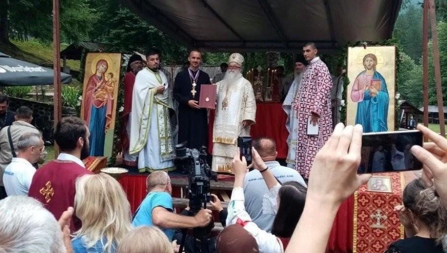 LITURGIJU SLUŽILO 120 SVEŠTENIKA: Sveeparhijski sabor SPC u FBiH u vaskrslom manastiru Nemanjića (FOTO)