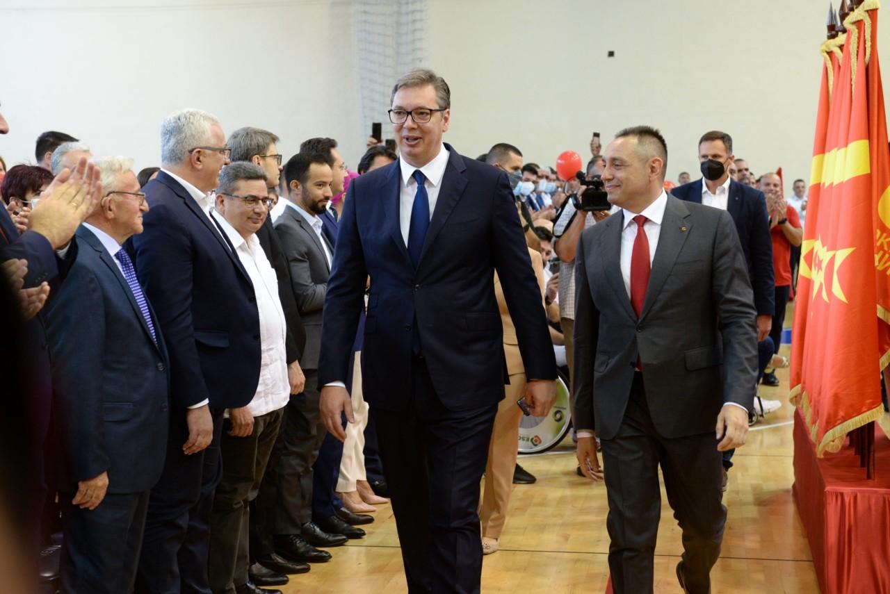 Vulin – budi predsednik svih Srba, Vučić – Aleksandar je veći diktator