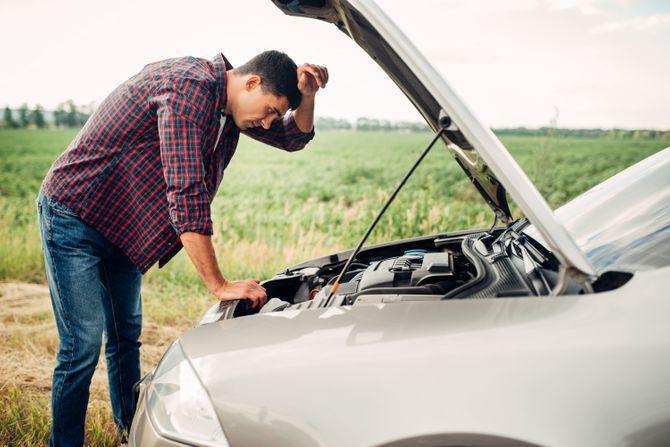 Ovo je jedan od češćih problema na autu kada dođe hladno vreme, evo kako da ga rešite