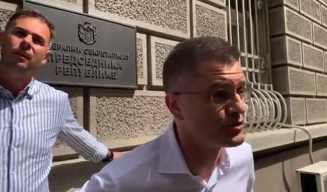 GDE SI POŠ'O NA STENU BEZ OPREME?! Jeremić došao da linčuje Vučića, pa se uspaničio! /VIDEO/