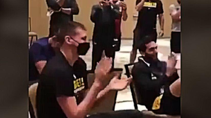 A sad aplauz! Kako je Nikola dočekao zvanično proglašenje (VIDEO)