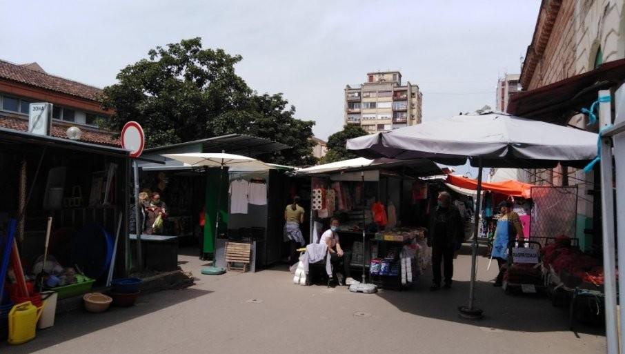 TEZGE VEĆ TRI GODINE NA ULICI: Kikinđani prekoračili sve rokove u izgradnji zelene pijace u centru grada