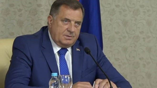 Dodik: Dejton se mora poštovati