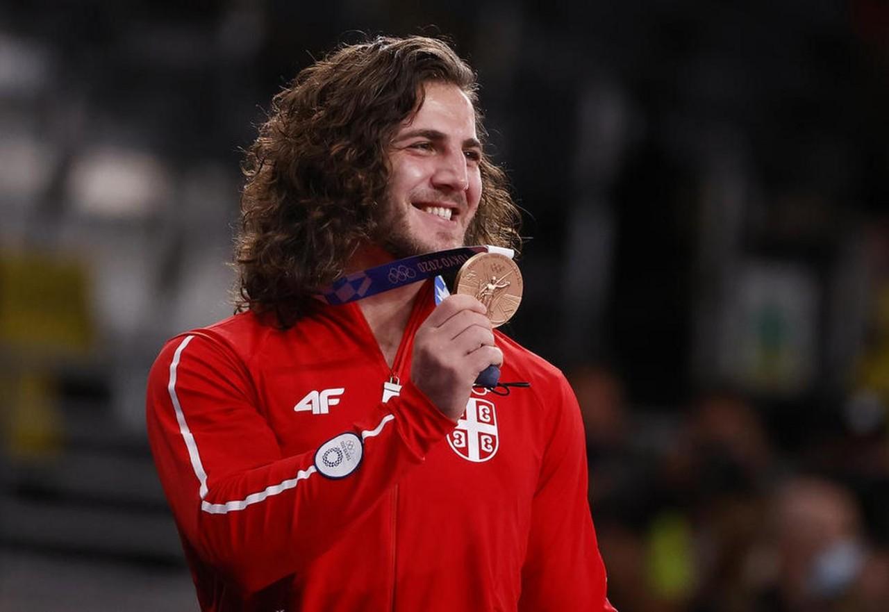 Datunašvili postaje HEROJ SRPSKOG SPORTA! Zurabi doneo Srbiji zlato na Svetskom prvenstvu! Jubilarna 100. medalja za našu zemlju