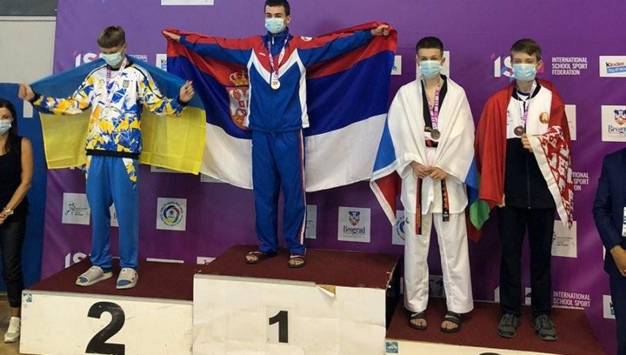 VRŠČANIN UŠAO U ISTORIJU: Osnovac osvojio zlato na Svetskim školskim sportskim igrama