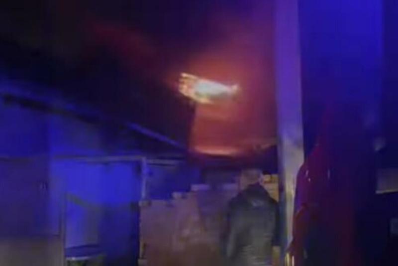 GORI KUĆA U NOVOM PAZARU: Povređeno je osam lica, a među njima ima i MALOLETNIKA!