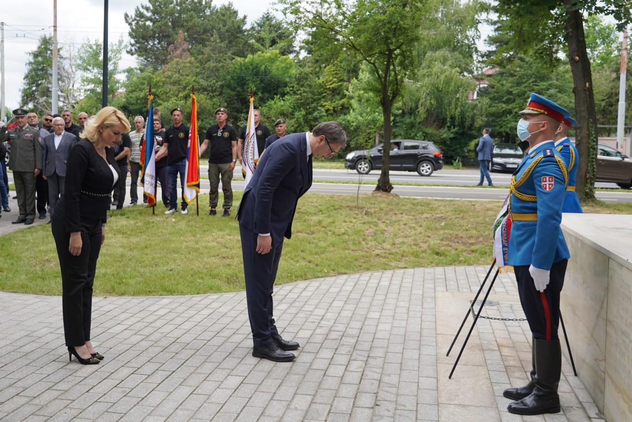 Vučić položio venac na Spomenik junacima sa Košara: Vodili su nemoguću bitku