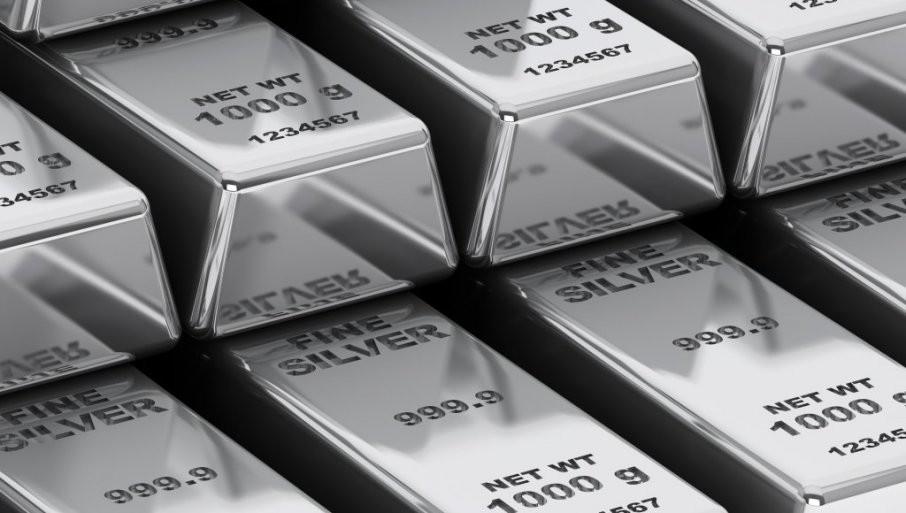 SREBRO ZA  GODINU  POSKUPELO 70 ODSTO: Cena plemenitog metala od početka korone ne prestaje da skače