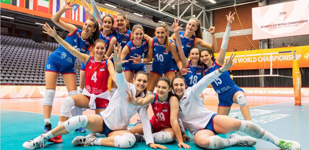 SRBIJI SREBRO! Odbojkašice nemoćne u finalu protiv Italije