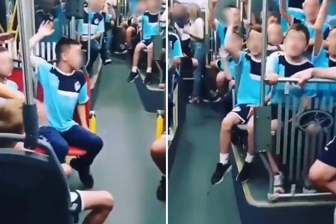 """Najlepši snimak autobusa u Beogradu: Deca pevaju """"Veseli se srpski rode"""""""