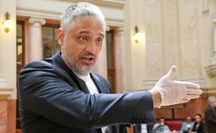 Јовановић пита ко је укинуо обезбеђање његовој деци