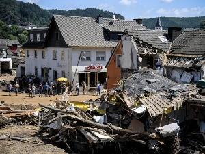 Немачка трага за несталима у поплавама – апокалиптични прозори након повлачења воде