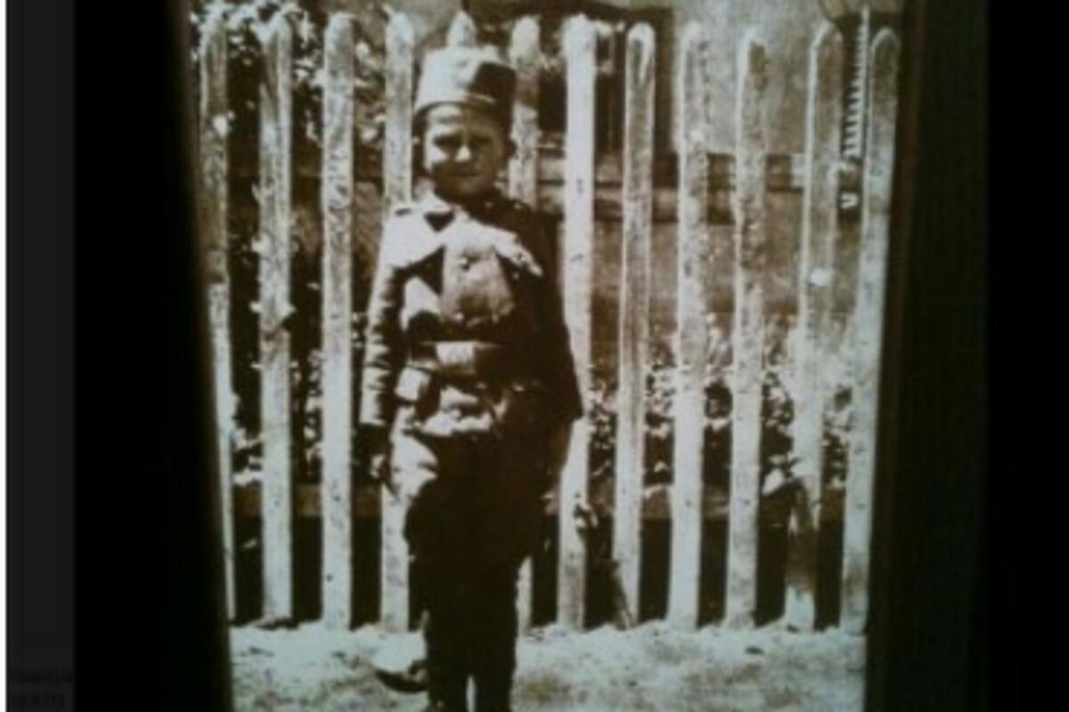 SRBIJO, NE ZABORAVI SVOG JUNAKA! Mali kaplar Momčilo sa 8 godina bio je najmlađi vojnik Prvog svetskog rata! (FOTO)